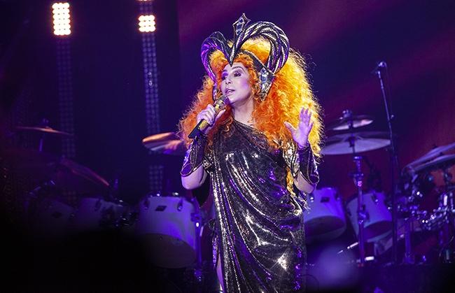 Cher (4)