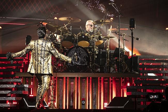 Queen-Adam-Lambert-5