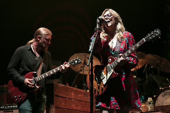 Tedeschi-Trucks-Band-2