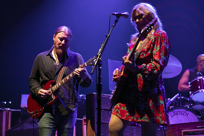 Tedeschi-Trucks-Band-5
