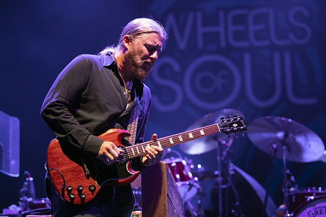 Tedeschi-Trucks-Band-6